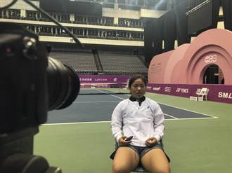 海碩女網賽》欣賞費德勒的優雅 小將梁恩碩拚單打首勝