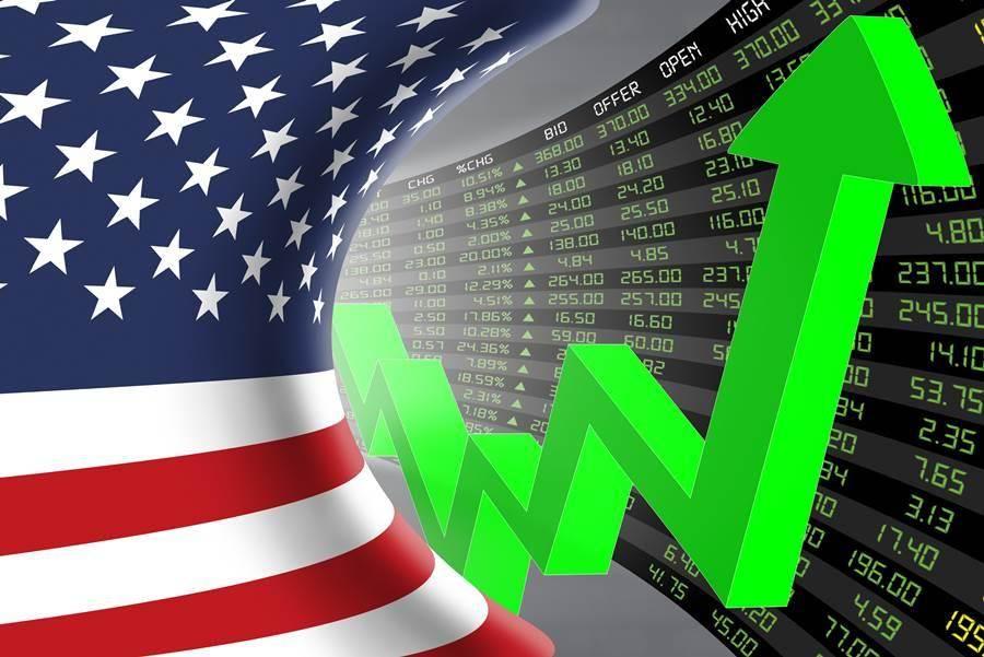 華爾街分析師年初預測,美國造紙業將因貿易戰承受巨大損失。但國際紙業卻殺出重圍,成為投資者值得留意的好股票。(示意圖/Shutterstock)