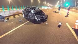 國道3號小客車高速追撞半聯結車  駕駛噴飛6公尺命危