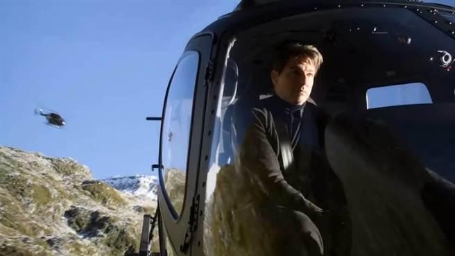 不可能的任務6當中,有湯姆克魯斯駕駛直升機的情節,他是真的學會了駕駛這款直升機。(圖/派拉蒙影業)