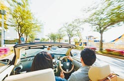 別忘了續保車險 開車上路更安心