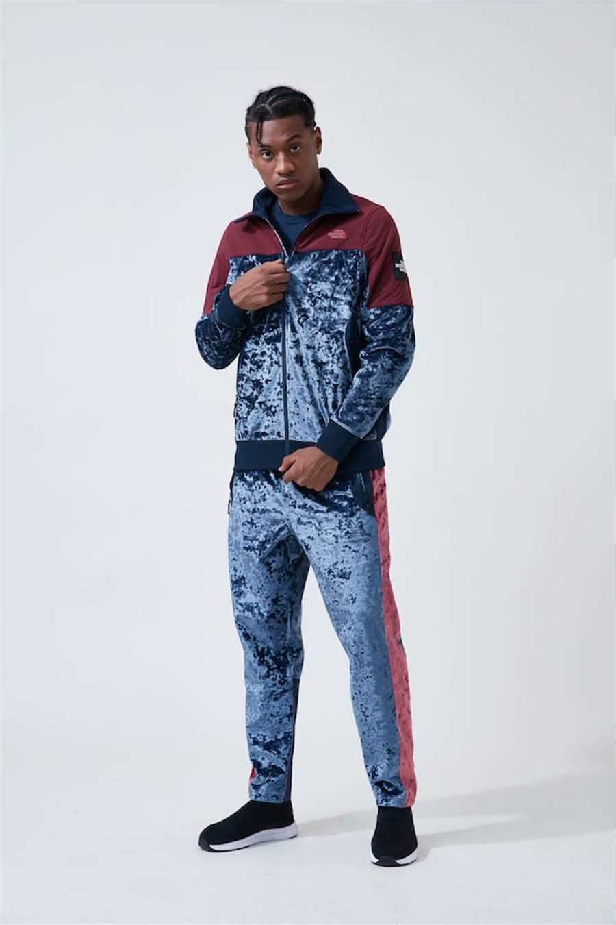 The North Face Urban Exploration Velvet Capsule同時推出成套絲絨教練夾克、運動褲,以及雙色拼接衛衣。(品牌提供)
