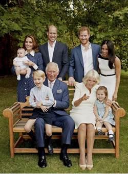 你幾歲?乖孫喬治笑問  查爾斯慶生公開罕見全家福
