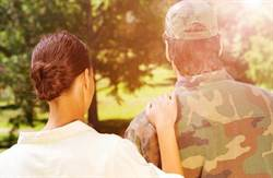 軍官偷吃助按摩女圓「婚紗夢」 軍官夫人告不成