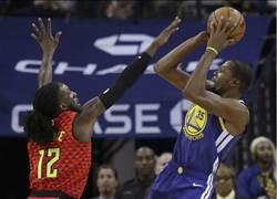 NBA》勇士主場逆轉勝 老鷹吞5連敗 林書豪10分4助攻