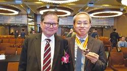 崑山科大教授李振興 獲國際傑出發明家學術國光獎章