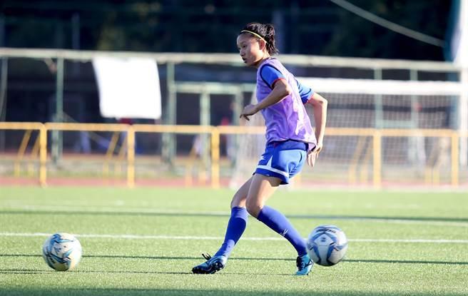 女足好手包欣玄對菲律賓之戰嚴重扭傷右腳踝,9成無緣下月在關島舉行的東亞錦標賽第2輪賽事。(資料照片/李弘斌攝)
