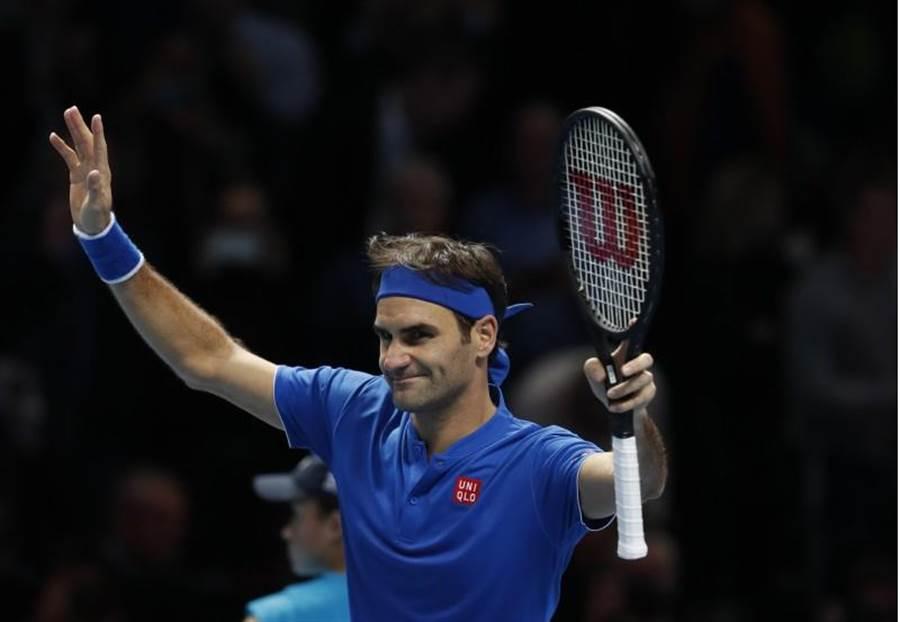 費德勒在ATP年終賽小組賽第二戰直落二輕取對手。(美聯社)