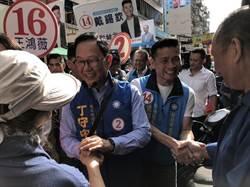 台北》市場掃街遇長者哭訴 丁守中數度承諾恢復重陽敬老金