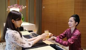 這家飯店好有梗 推返鄉投票住房優惠再送蜂蜜檸檬水