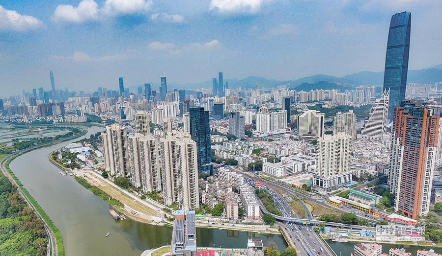 深圳高居全球最佳旅行城市第二名,圖為3月26日拍攝的深圳市景。(新華社)