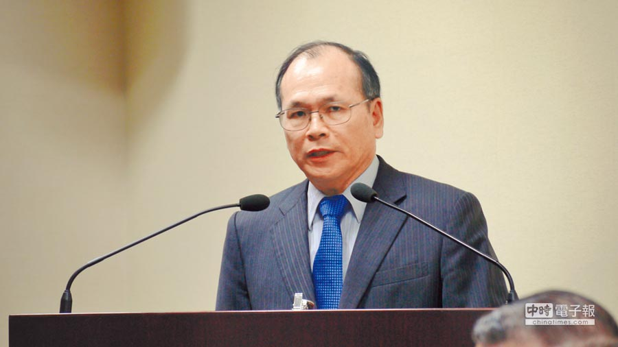 政大經濟系教授、國發會前主委林祖嘉14日在國民黨中常會報告「台灣經濟的困境與出路」。(記者潘維庭攝)