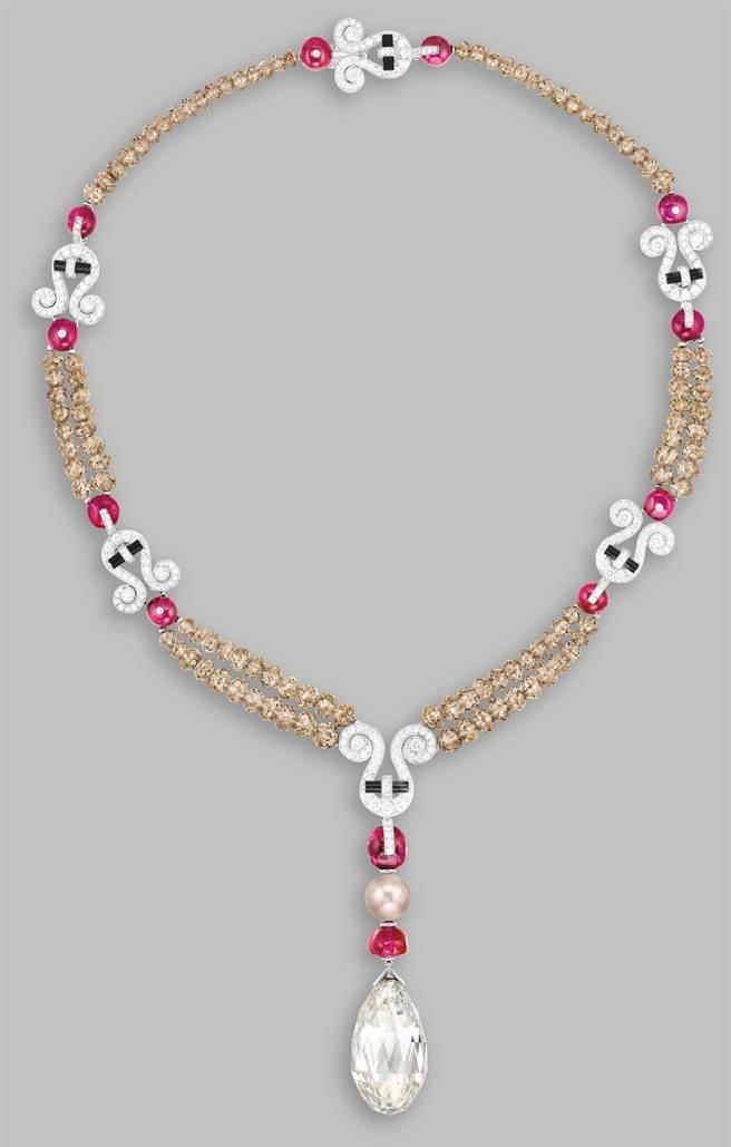 富藝斯拍賣會明後兩天台北預展,展出卡地亞43.4克拉鑽石項鍊。(PHILLIPS提供)