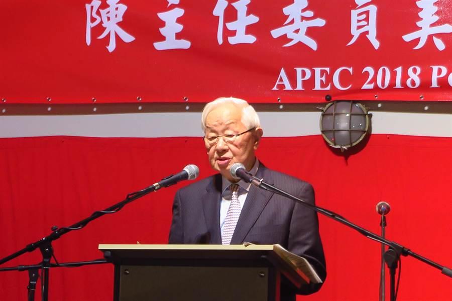 APEC經濟領袖代表張忠謀抵達巴布亞紐幾內亞,參加我國代表團舉辦的雙部長晚宴。(彭媁琳攝)