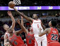 NBA》火箭膽敢放棄甜瓜 竟因菜鳥冒出頭
