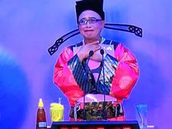 嘉義》黃宏成台灣阿成世界偉人財神總統說英語遭消音 揚言提告