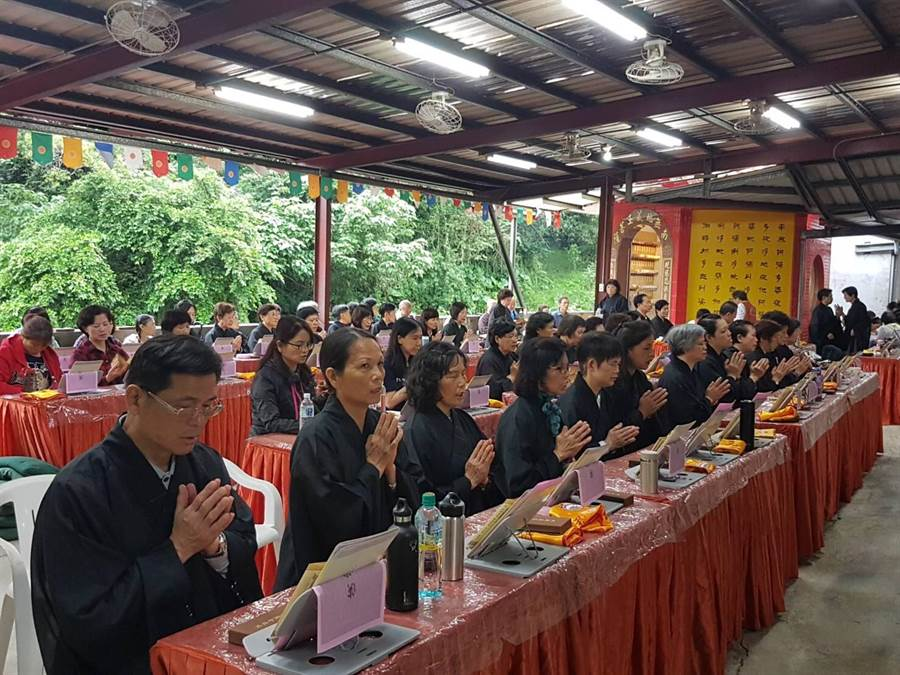 靈鷲山佛教教團祖庭~礁溪龍潭湖畔的寂光寺,17日舉辦「地藏法會暨瑜伽燄口施食法會」。(許哲瑗翻攝)