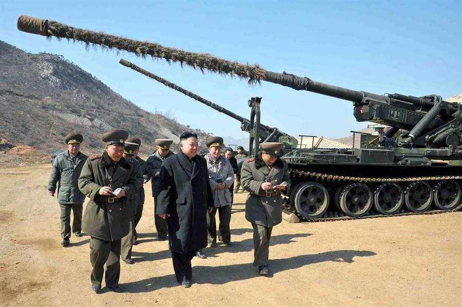 北韓官媒說「超現代戰術武器」準備試驗,並且由金正恩親自主持。南韓推測是北韓自製的長程火砲,圖為Chuch'e-Po北韓自製火砲。(圖/tanks-encyclopedia)