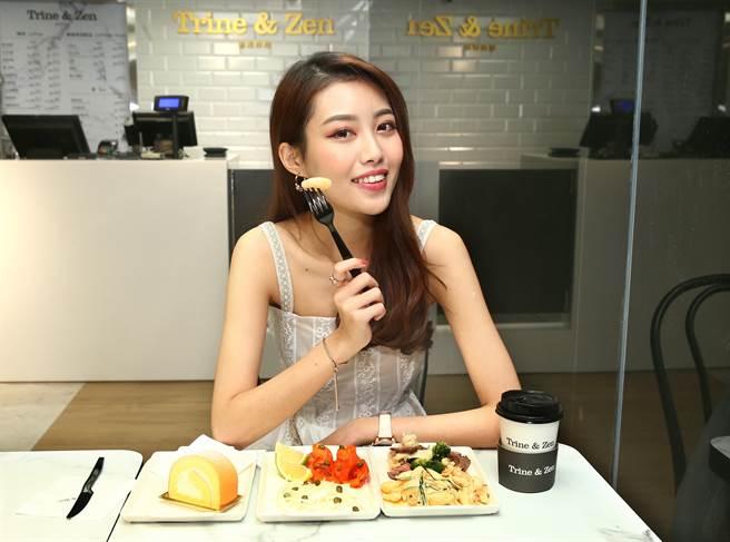 微風超市南京店有Trine & Zen的店中店,座位區有22個客席。(粘耿豪攝)