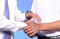 影》辯論肢體語言學問多 陳其邁比食指攻擊強 韓國瑜敞雙手開放