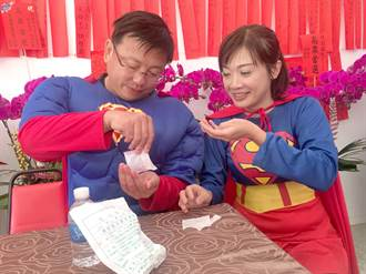 南投》怎超人也需吃藥?劉啟帆、施怡真拜票喊到喉痛燒聲