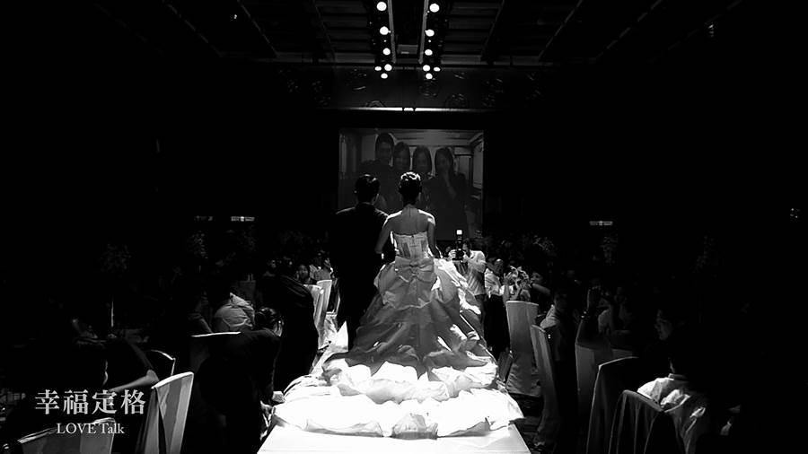 紀錄片導演沈可尚原本想記錄「拍婚紗」的過程,卻在婚後發現,拍婚紗只是婚姻的練習題。(CNEX提供)