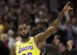 NBA》重返克利夫蘭 詹姆斯帶著勝利離開