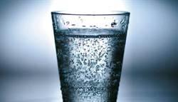 影》氣泡水可別拿來取代一般水 恐造成這2大問題