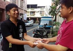 屏東選舉》年輕公務員李曜丞回鄉參選議員,一步一腳印宣傳理念