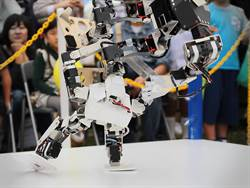 東京威力科創機器人大賽/TEL Robot Combat 12/2成大校園登場  日本職業摔跤機器人助陣