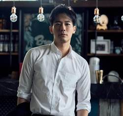 天菜主播劉傑中 連5年發年曆做公益