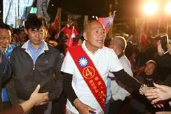 新竹》造勢晚會許明財頂大光頭 支持者紅眼眶