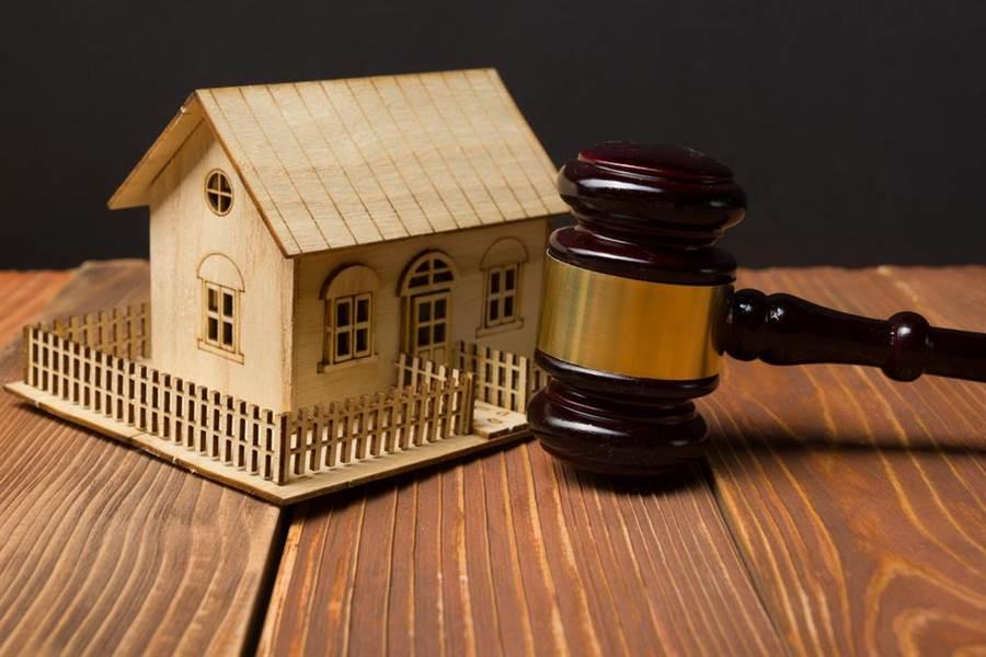避免房子被拍賣,父替子償債,事後提告。(達志影像/shutterstock提供)