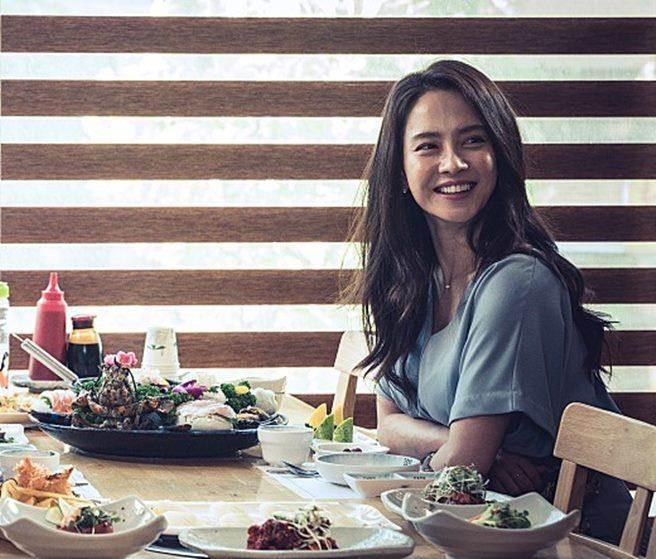 韓星宋智孝在新片中首度飾演馬東石妻子,並首次接演動作片。(圖/車庫娛樂提供)