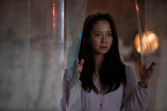 宋智孝電影中遭綁架努力逃跑,跑量大到更勝綜藝節目RM。(圖/車庫娛樂提供)