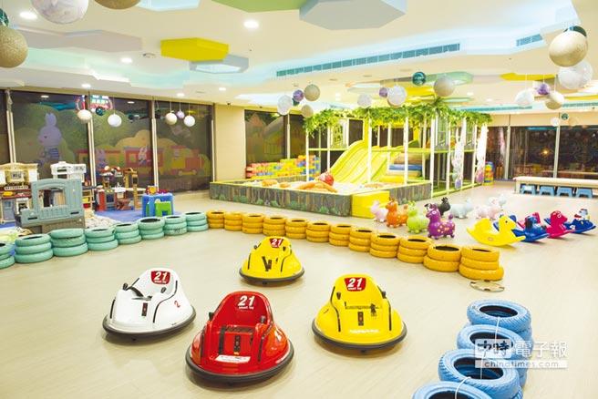綠野仙蹤親子館遊戲室裡都是孩子們最愛遊樂設施。圖/悅川酒店提供