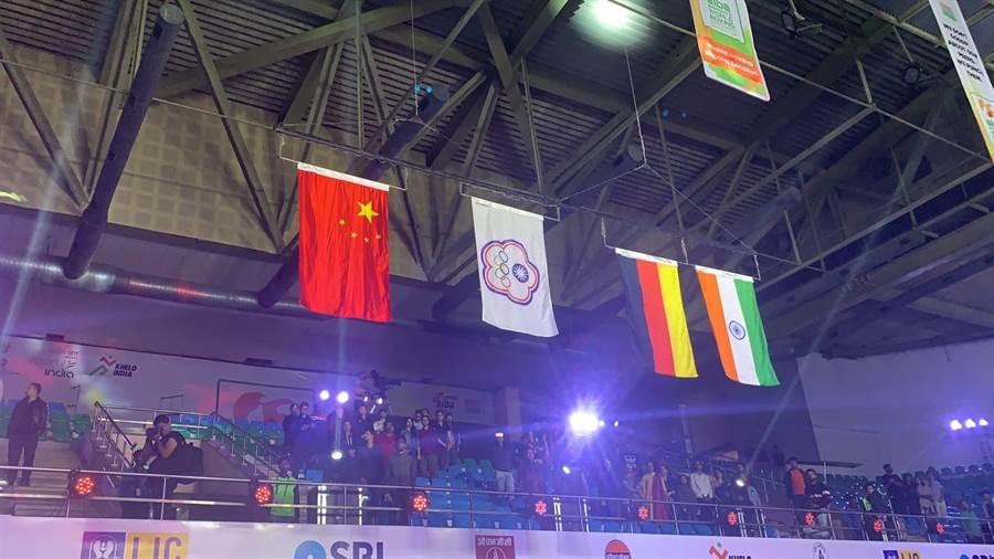 中華隊旗幟在會場升起。(清大提供)