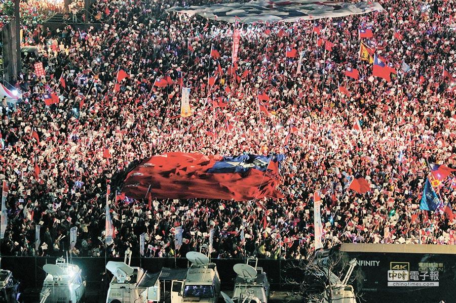 韓國瑜旋風無法擋,場場造勢活動都超過10萬人。(特約記者鄭光隆攝)
