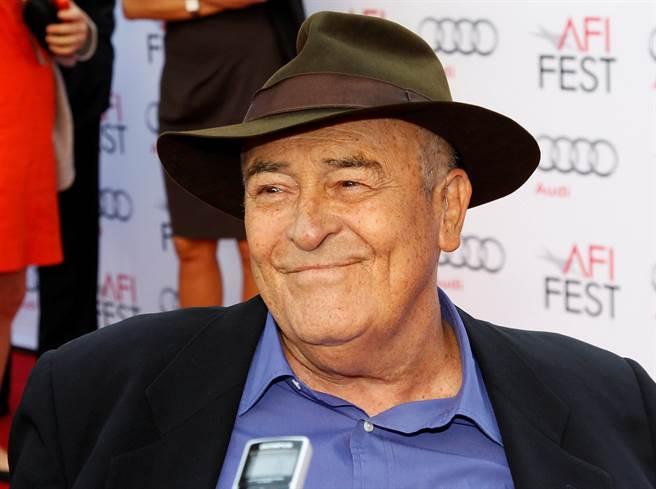 意大利電影大師、《末代皇帝》導演貝托魯奇周一因癌症逝世。圖為他在2013年美國電影學會電影節上參加《末代皇帝》3D版首映晚會。(圖/路透)