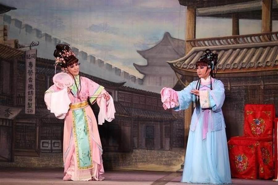 大稻埕青年歌仔戲團2018《花田錯》演出劇照。