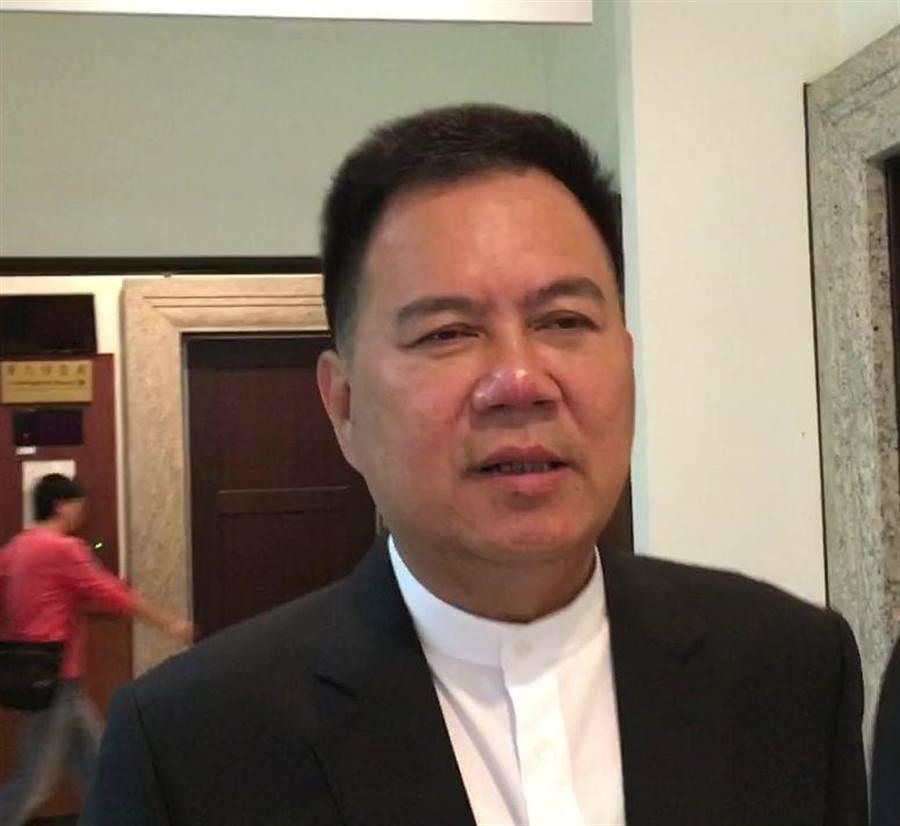 嘉義市副議長郭明賓出庭後表示,希望司法趕快還他清白。(廖素慧攝)