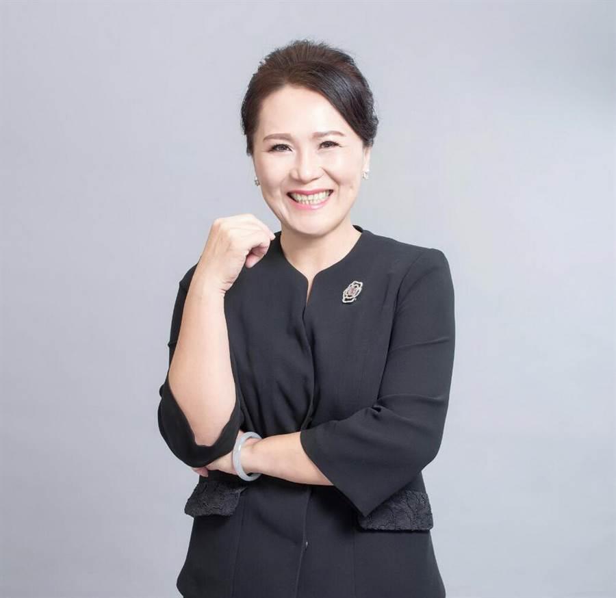 雲林縣元長鄉長當選人李明明成為民進黨元長第一位女鄉長。(許素惠攝)
