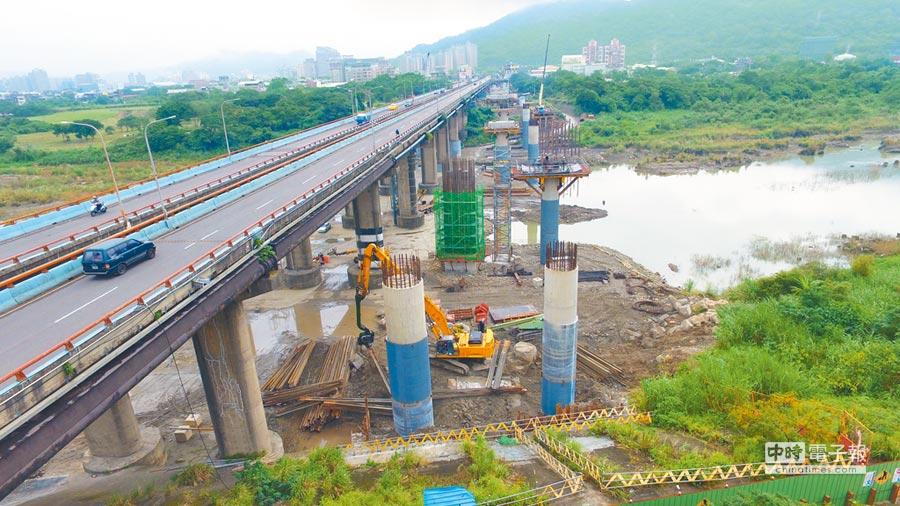 三鶯大橋改建計畫第一階段將在2020年2月完工。(許哲瑗翻攝)