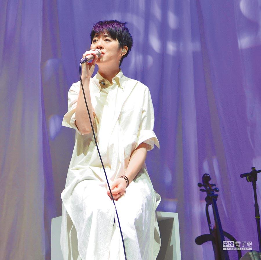 岑寧兒日前在香港一連舉辦2場音樂會。