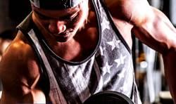 超暖龍舟天菜團闖出名號 秀肌肉秀顏質拍年曆做公益