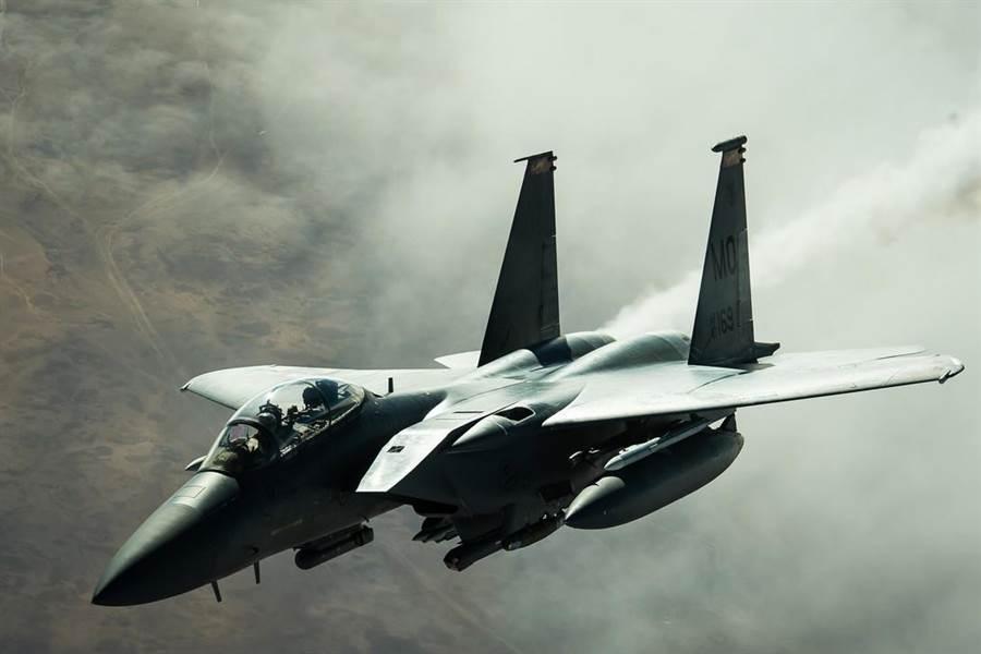 波音以F-15E戰機(見圖)為基礎,為卡達量身打造了F-15QA戰機。(美國空軍)