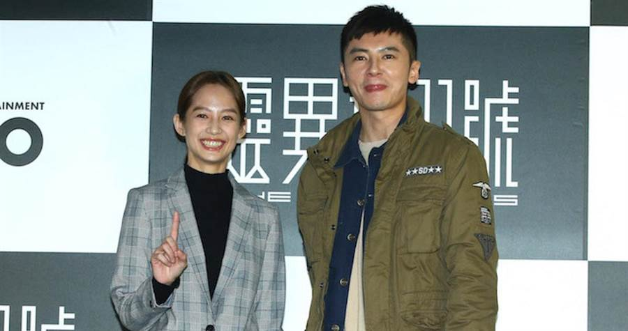 簡嫚書(左)和李國毅首次合作。(粘耿豪攝)