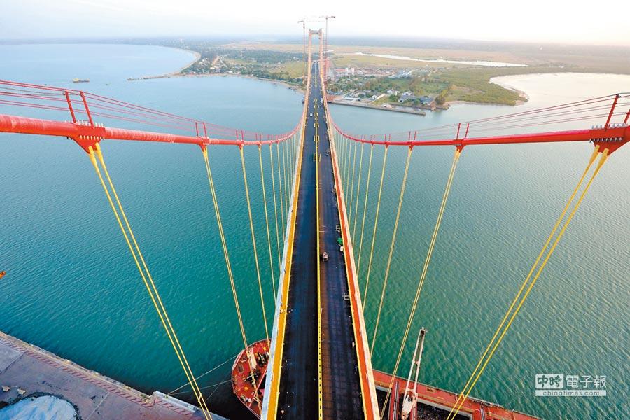 「馬布多──卡滕貝大橋」是由中國路橋工程有限公司建成。(新華社)