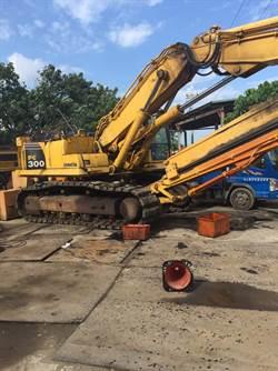 疑換鋼油操作不慎 技師遭挖土機挖背壓死