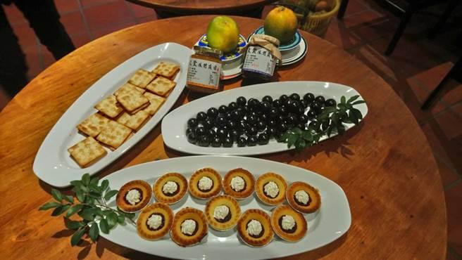 位於大坑的米笠休閒莊園,不僅提供美食,也可品嘗到以園區自種的樹葡萄、橘子等熬煮的果醬製成的小點心。(圖/曾麗芳)